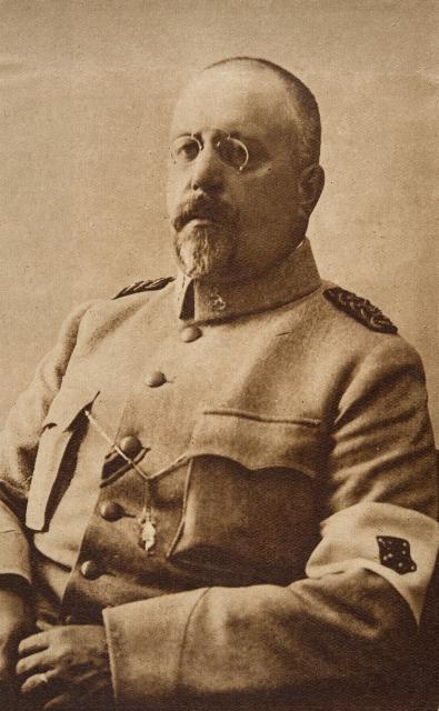 Sotatoimet: Ignatius Hannes, everstiluutnantti.
