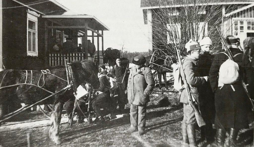Punakaartilaisia Tampereen seudulla 1918.